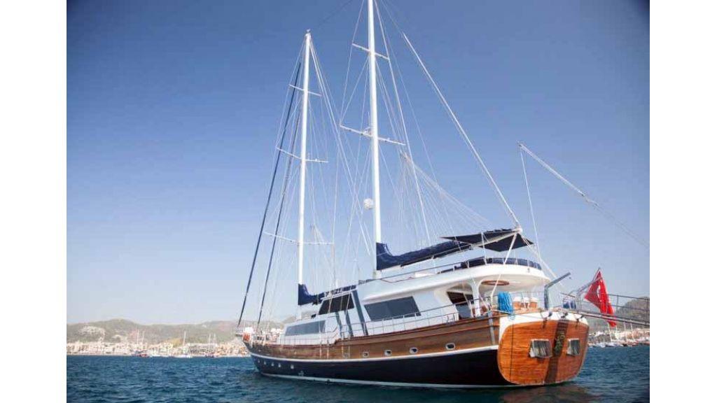 Classic Turkish motor sailer (23)