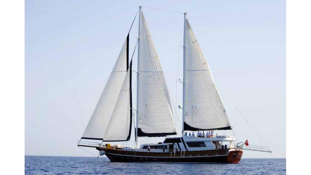 Classic Turkish motor sailer (25)