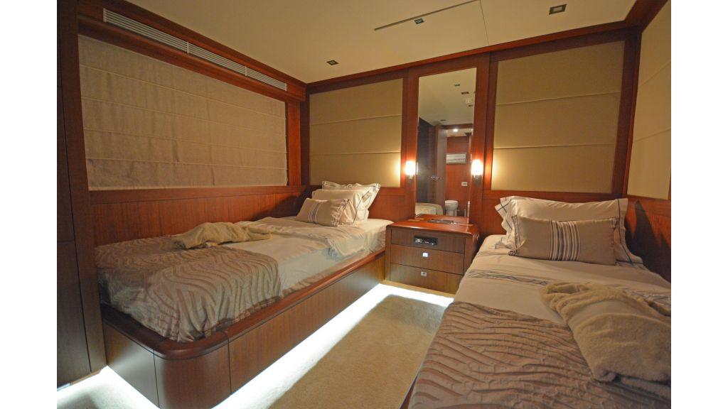 Composite Grp Motoryacht (70)