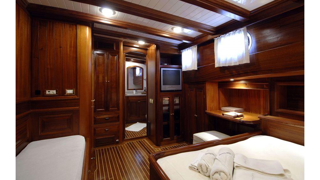 Ecce Navigo-Sailing yacht (1)