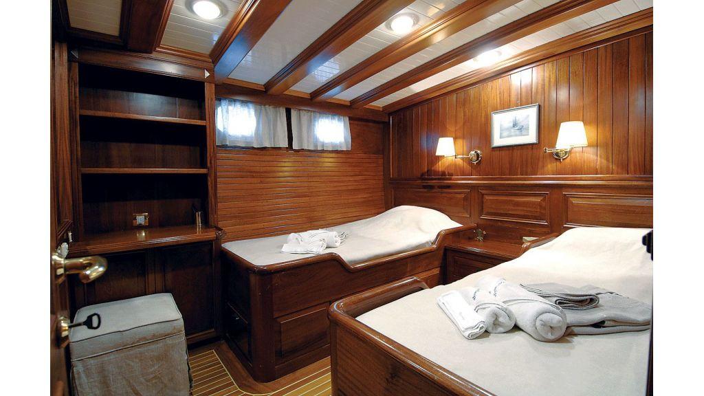 Ecce Navigo-Sailing yacht (5)