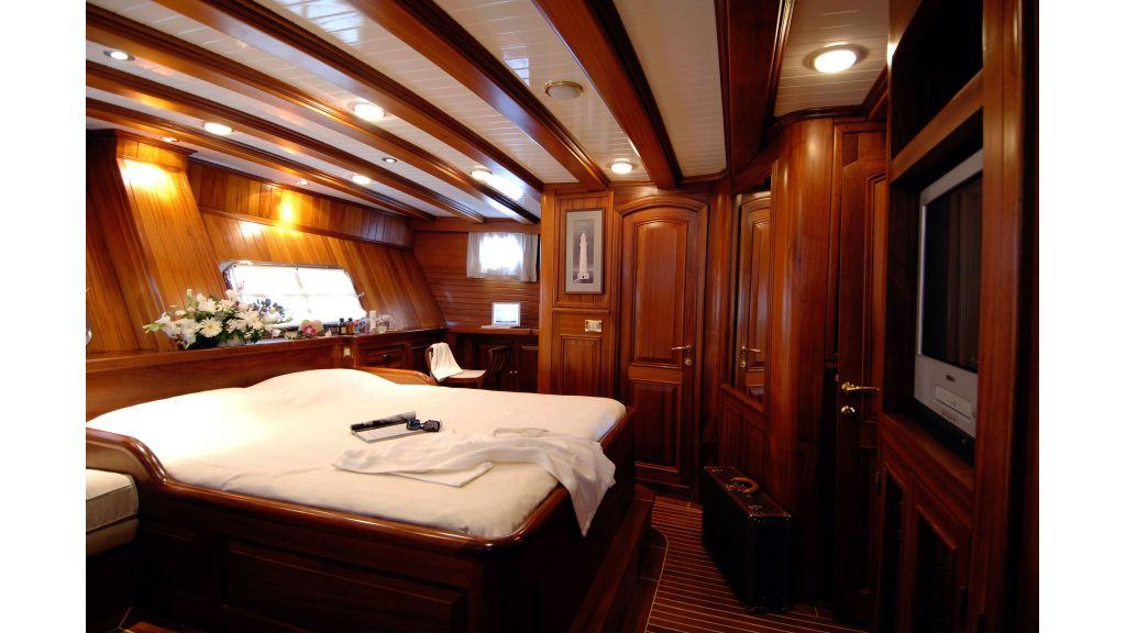 ecce navigo sailing yacht-master