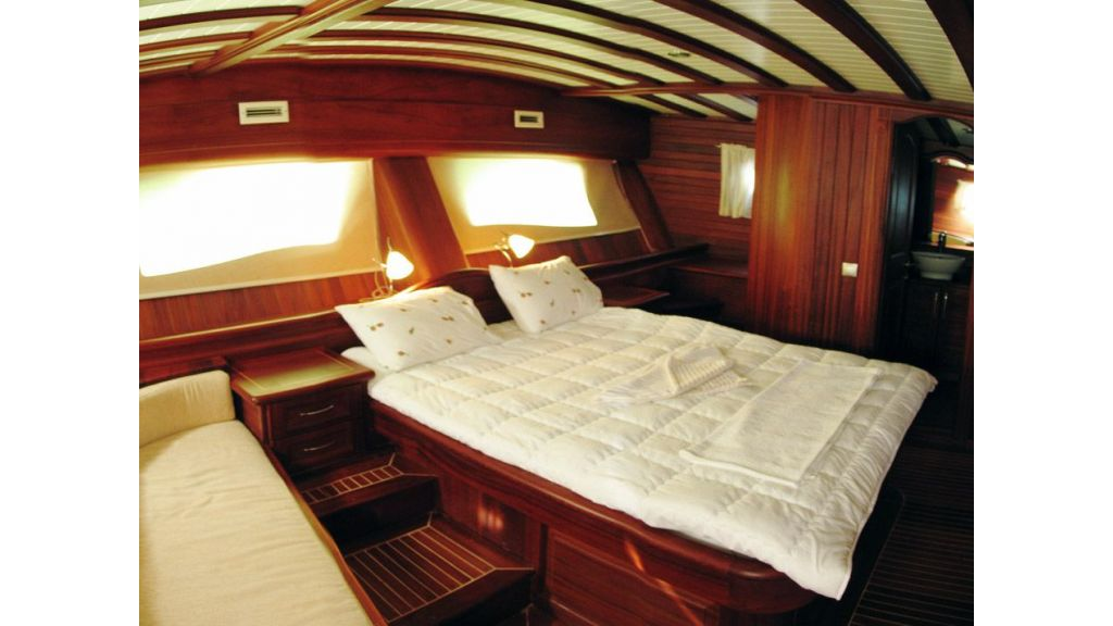 elegant-31-m-charter-gulet-for-sale (14)