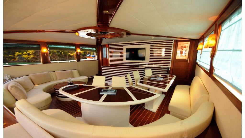 Esma Sultan Luxury sailing Yacht master