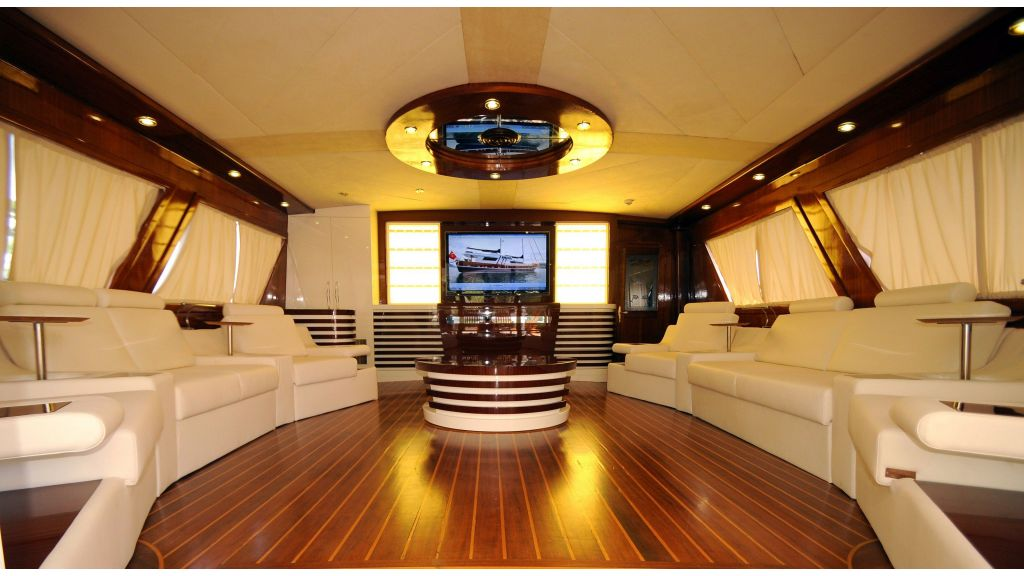 Esma Sultan Luxury Yacht master