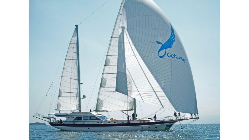 Getaway Luxury Sailing Yacht (10)