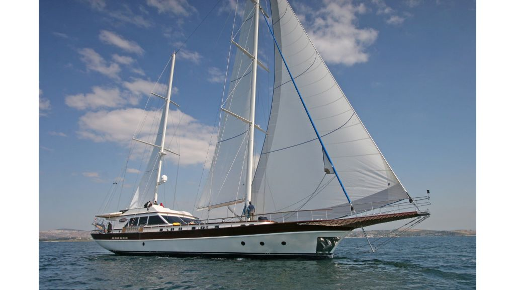 Getaway Luxury Sailing Yacht (11)