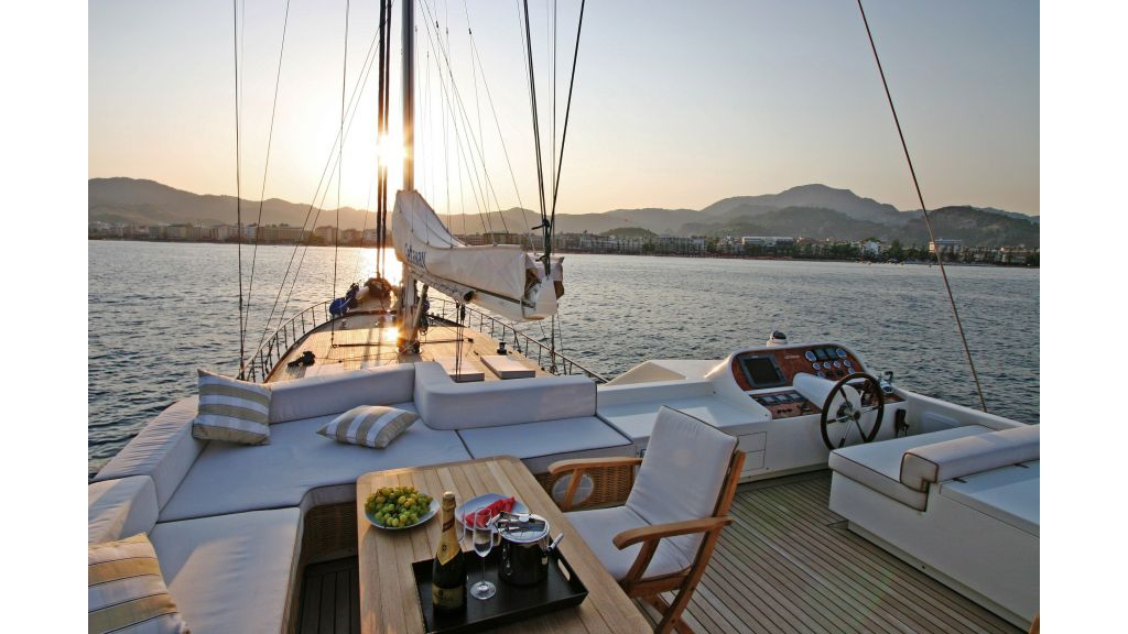 Getaway Luxury Sailing Yacht (15)