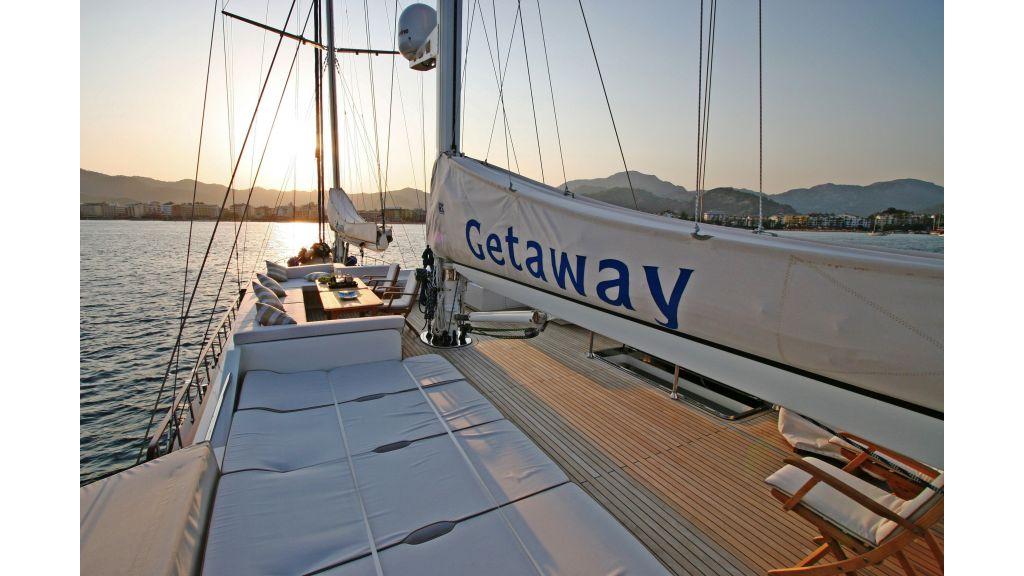 Getaway Luxury Sailing Yacht (16)