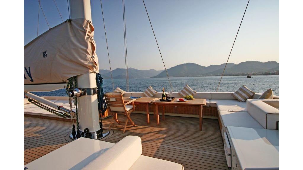 Getaway Luxury Sailing Yacht (18)