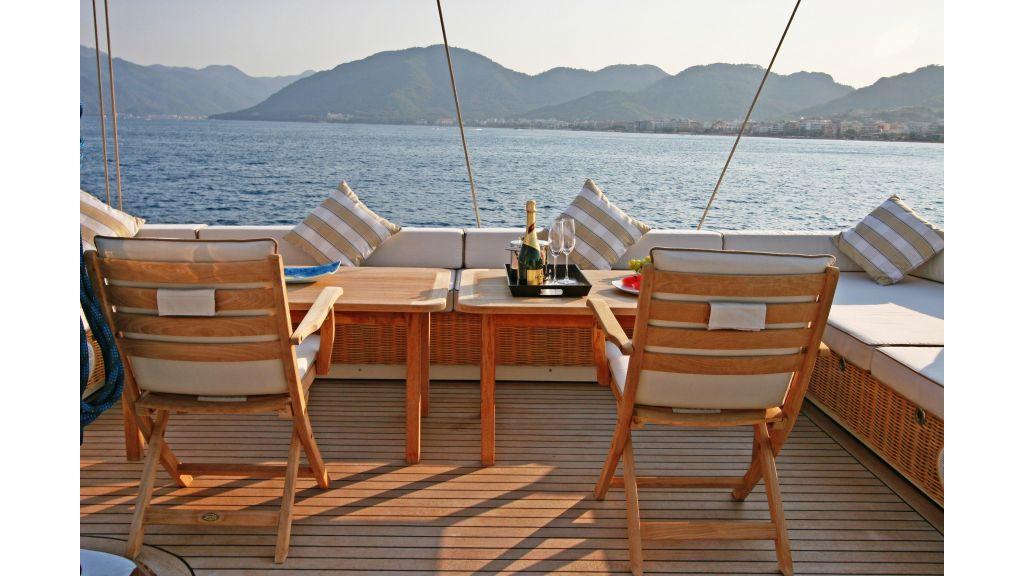 Getaway Luxury Sailing Yacht (19)
