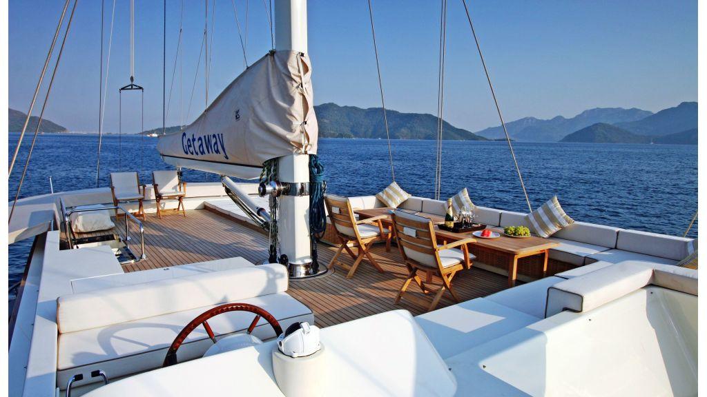 Getaway Luxury Sailing Yacht (20)
