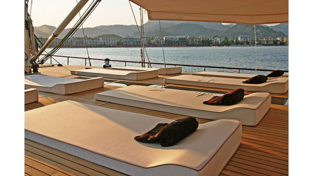 Getaway Luxury Sailing Yacht (23)