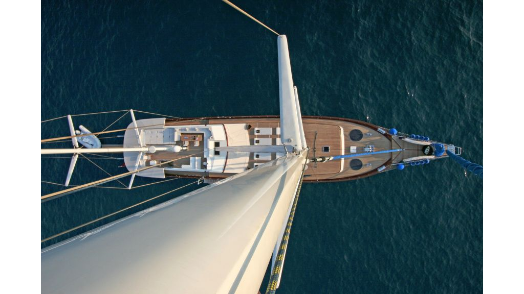 Getaway Luxury Sailing Yacht (8)