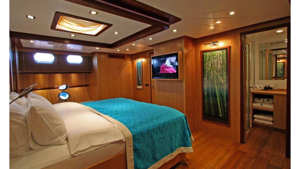 Getaway Luxury Yacht master