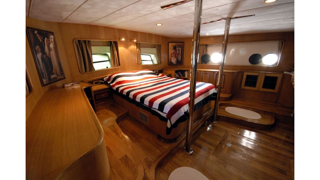 Green-duck-3 Cabins-charter gulet master