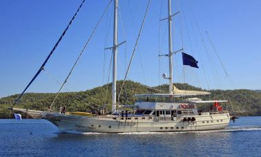 Aegean Clipper,