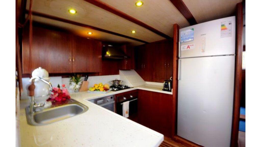 gulet kitchen