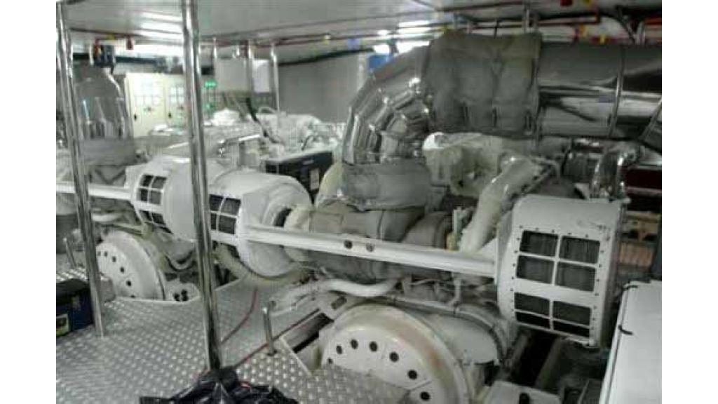 istanbul built poweryacht (18)