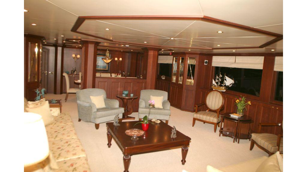 istanbul built poweryacht master