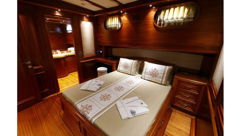 Kaya-Guneri-V-Luxury Yacht (1)