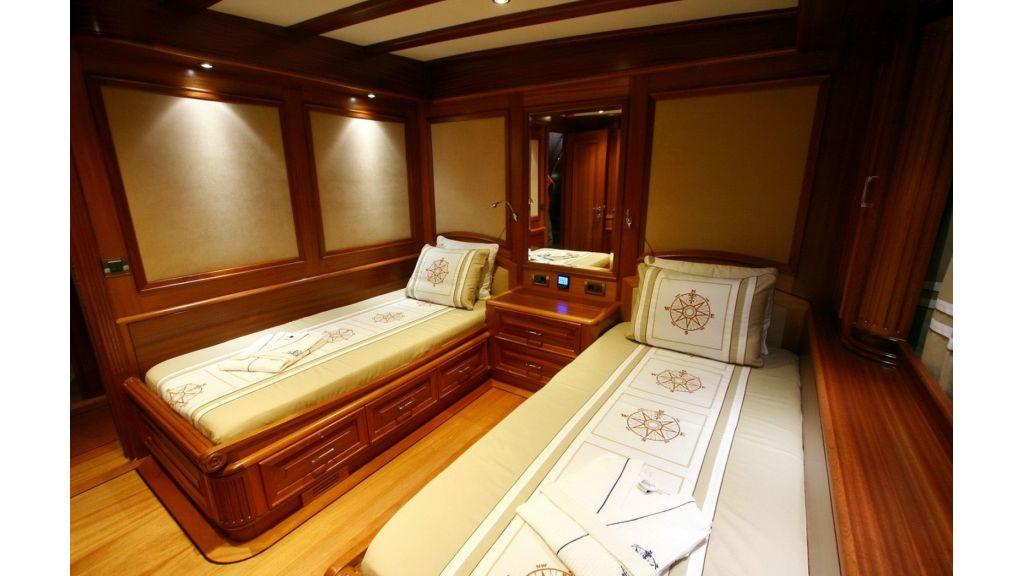 Kaya-Guneri-V-Luxury Yacht (10)