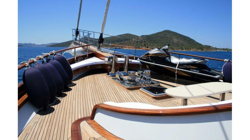 Kaya-Guneri-V-Luxury Yacht (12)