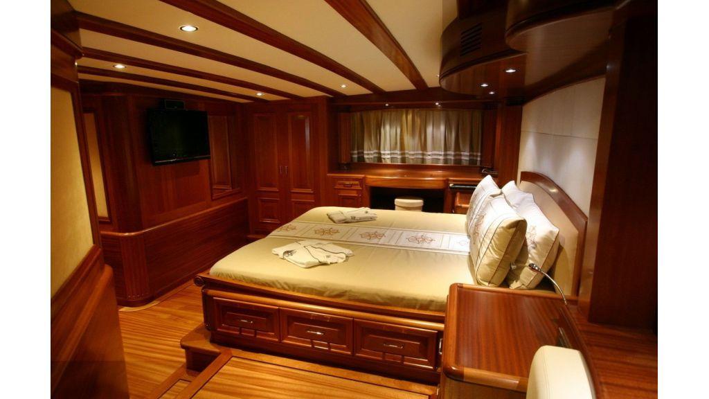 Kaya-Guneri-V-Luxury Yacht (13)