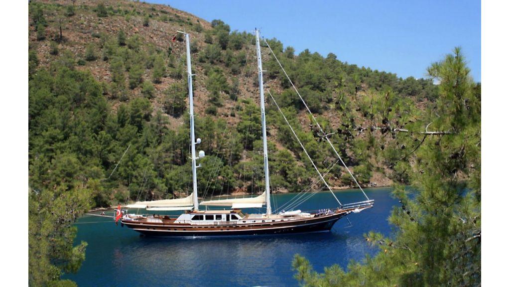 Kaya-Guneri-V-Luxury Yacht (14)