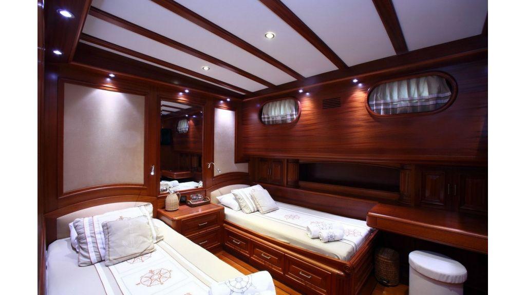 Kaya-Guneri-V-Luxury Yacht (15)