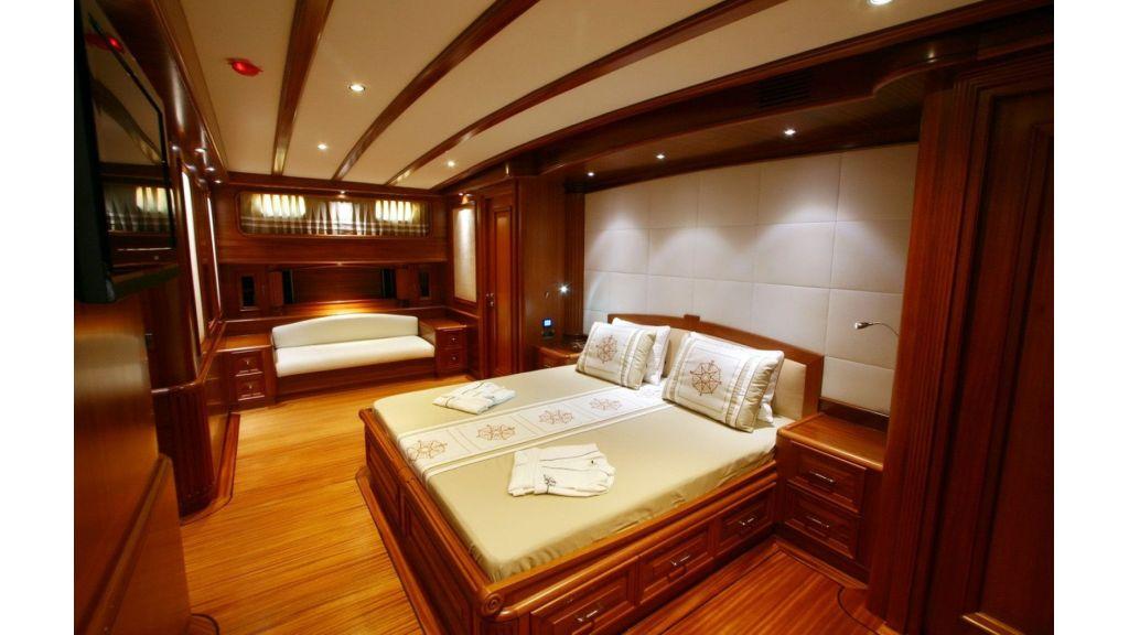 Kaya-Guneri-V-Luxury Yacht (16)