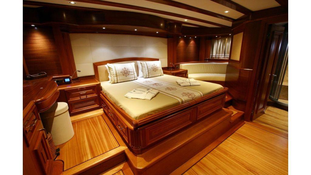 Kaya-Guneri-V-Luxury Yacht (17)