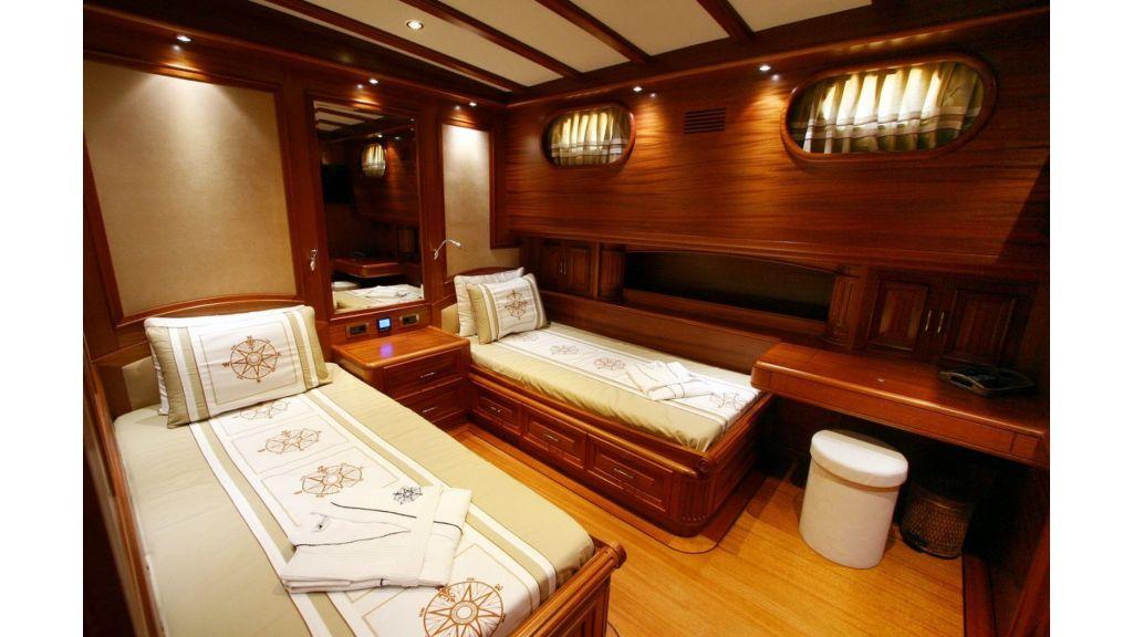Kaya-Guneri-V-Luxury Yacht (20)