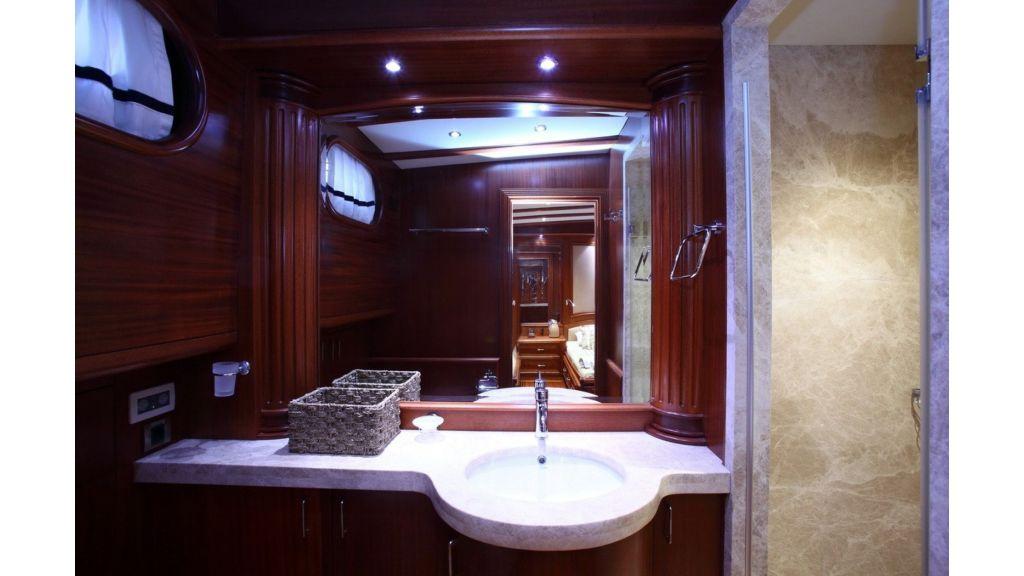 Kaya-Guneri-V-Luxury Yacht (21)