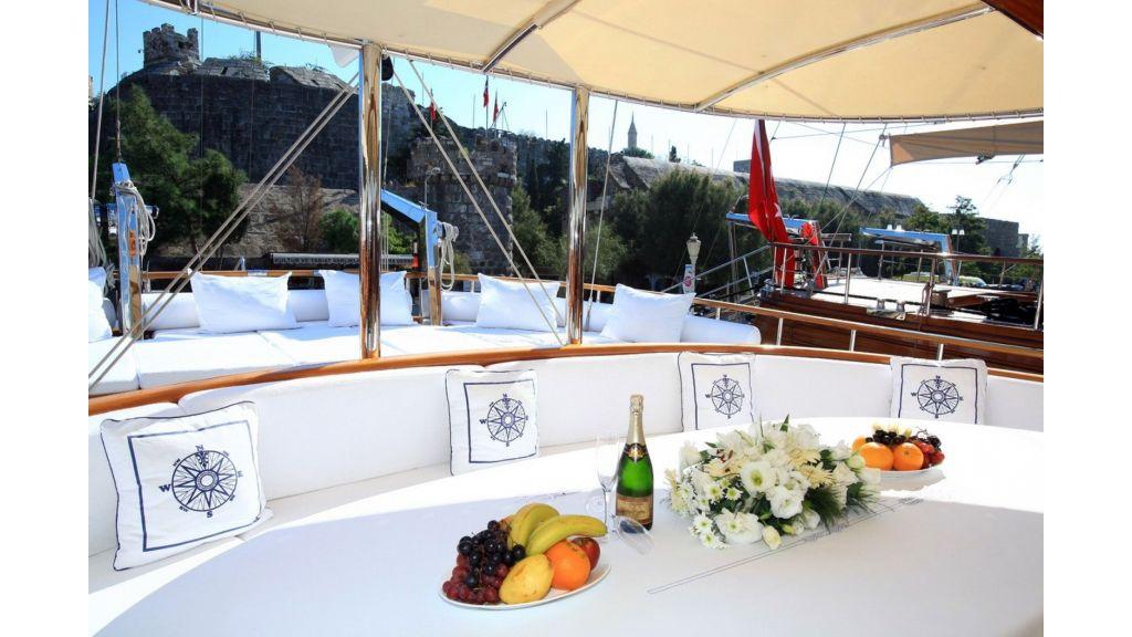 Kaya-Guneri-V-Luxury Yacht (22)