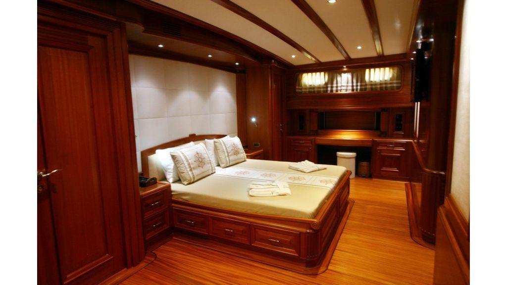 Kaya-Guneri-V-Luxury Yacht (25)