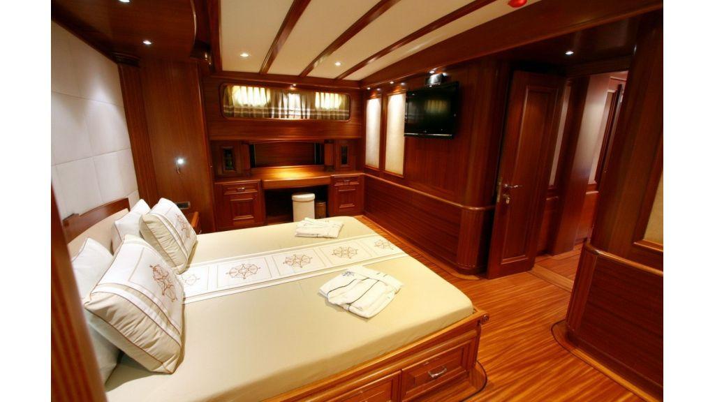 Kaya-Guneri-V-Luxury Yacht (36)