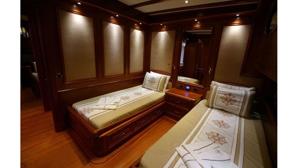 Kaya-Guneri-V-Luxury Yacht (4)
