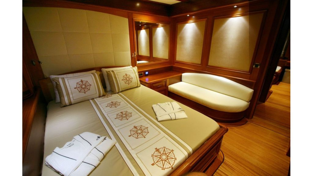 Kaya-Guneri-V-Luxury Yacht (6)