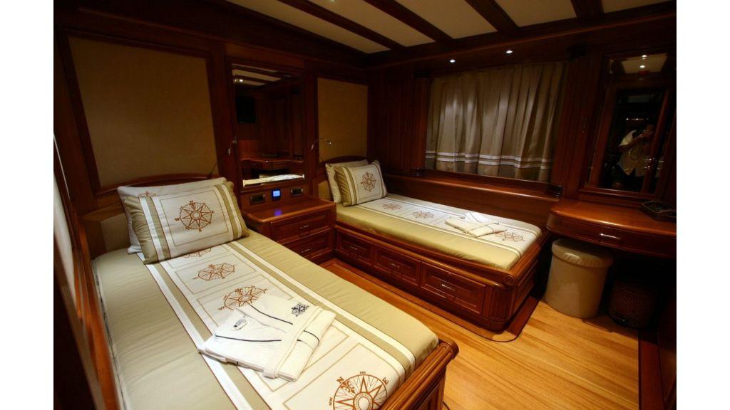 Kaya-Guneri-V-Luxury Yacht (7)