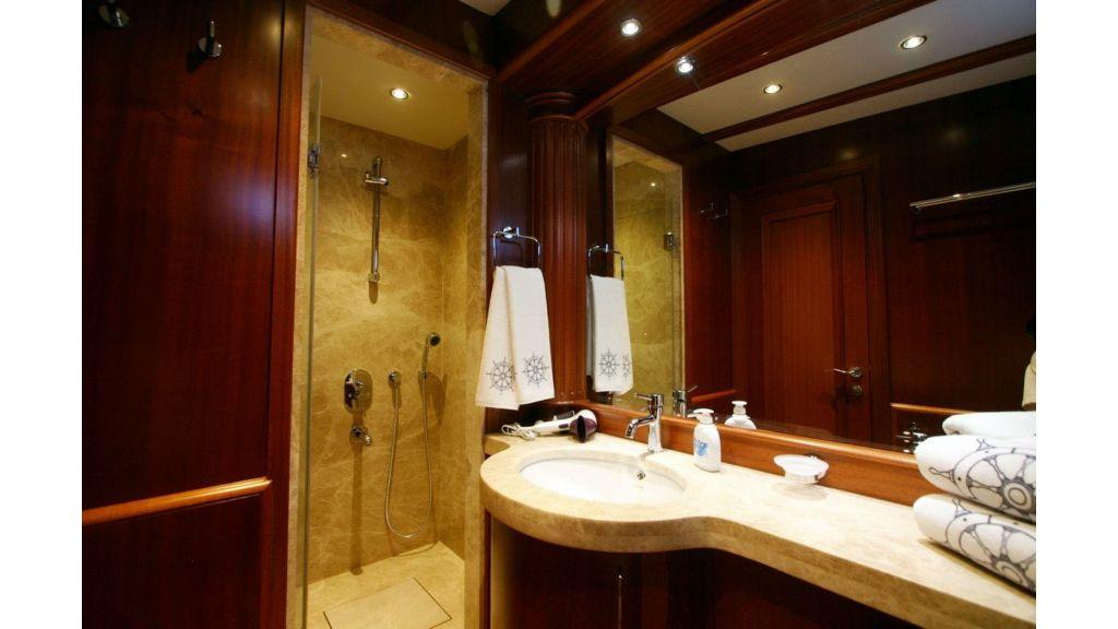 Kaya-Guneri-V-Luxury Yacht (9)
