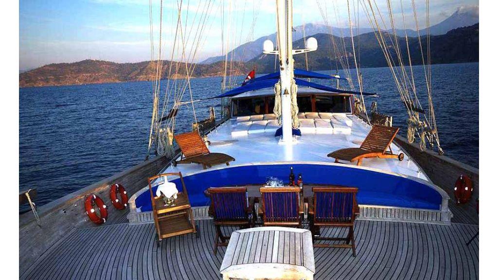 Kayhan-Kaptan-6 Cabins Luxury sailing yacht master