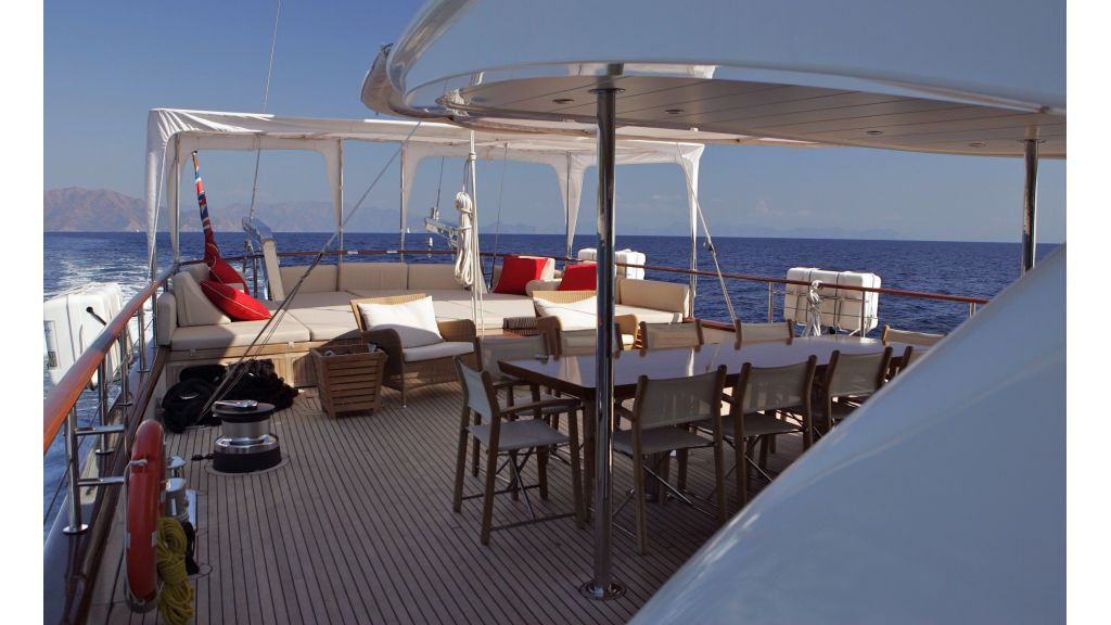 Levantin-Luxury-Sailing-Yacht (1)
