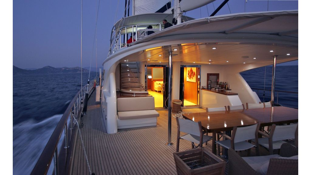 Levantin-Luxury-Sailing-Yacht (10)