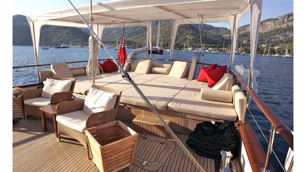 Levantin-Luxury-Sailing-Yacht (13)
