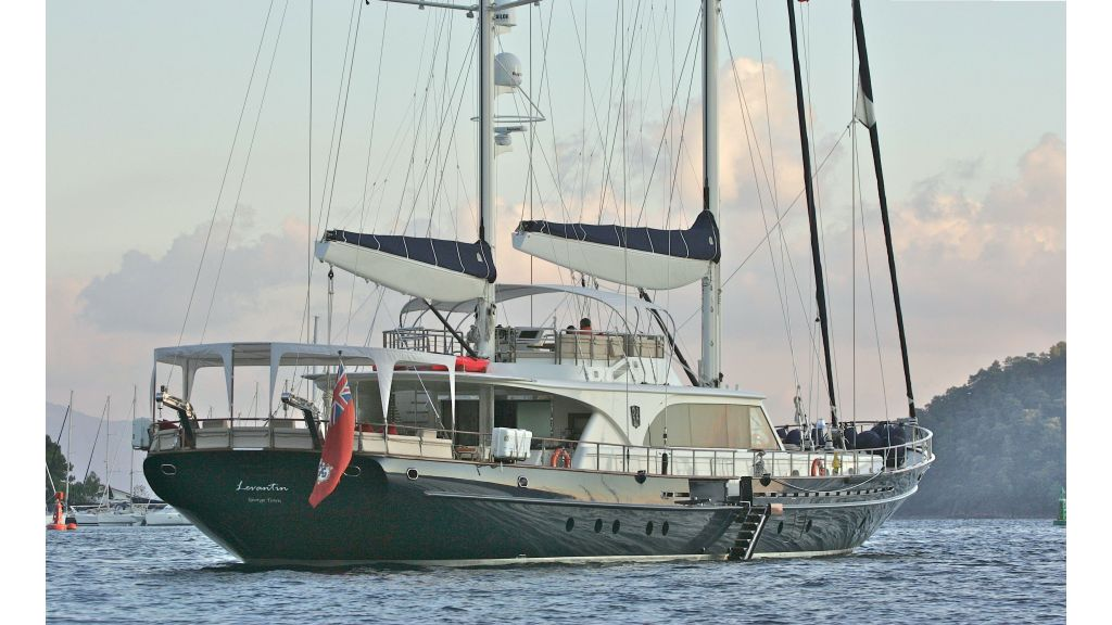 Levantin-Luxury-Sailing-Yacht (16)