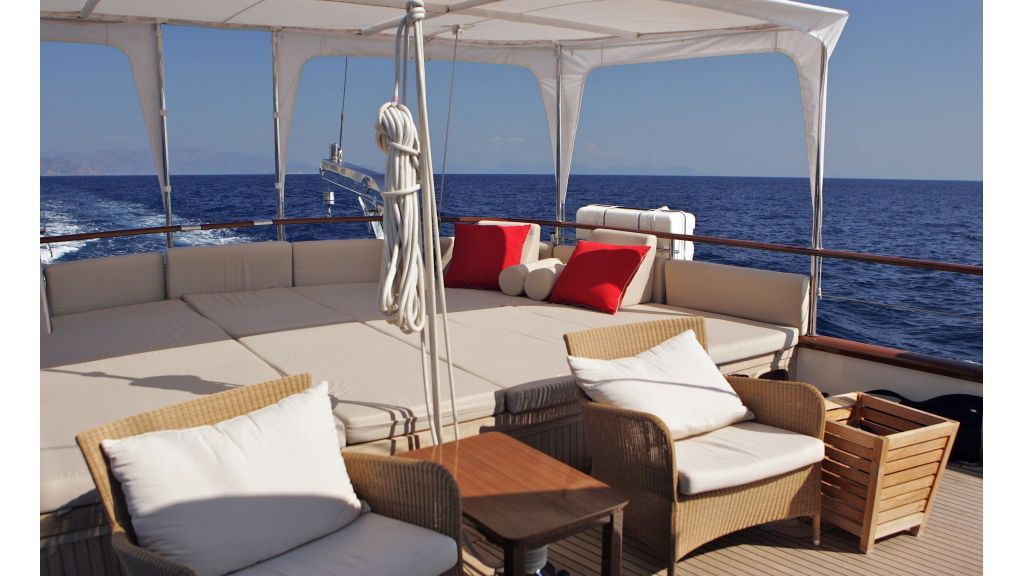 Levantin-Luxury-Sailing-Yacht (2)