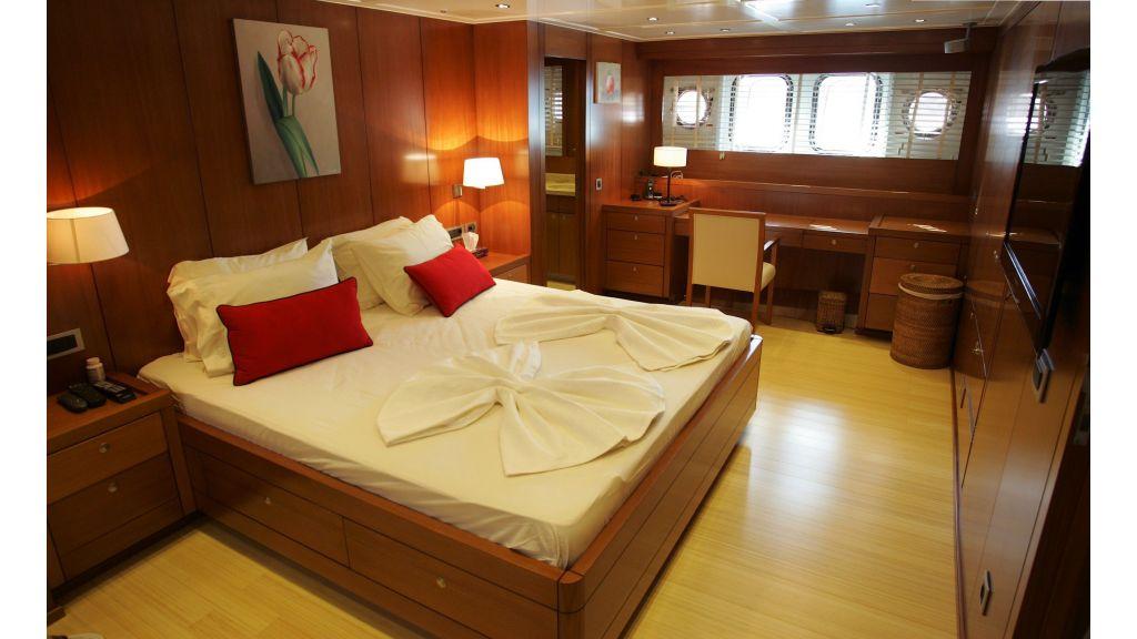 Levantin-Luxury-Sailing-Yacht (26)