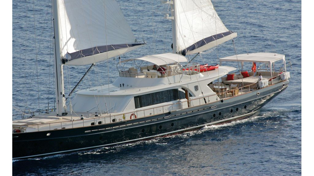 Levantin-Luxury-Sailing-Yacht (6)