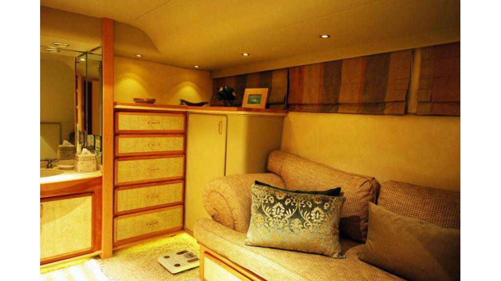 luxury-motoryacht-for-sale-14